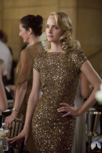 Amber Valletta 1x05