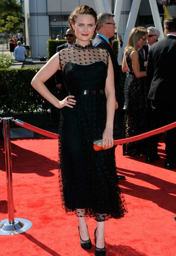 Bones actress at the Emmys 2012 red carpet