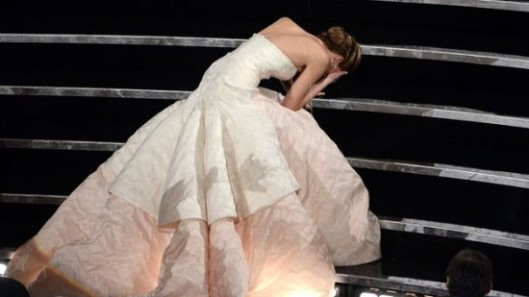 Jennifer Lawrence Oscars caida