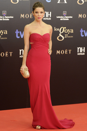 Juana Acosta goya 2013 alfombra roja
