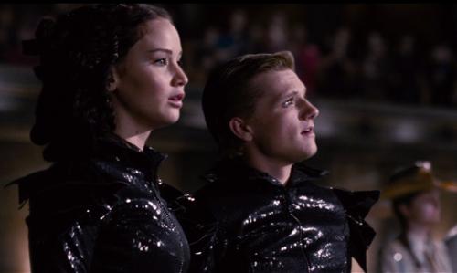 Los Juegos del Hambre Katniss y Peeta en el festival